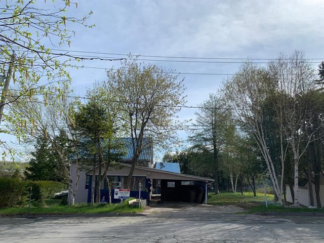 House for sale in Lac-Mégantic, Estrie, 4826, Rue  Bonin, 25316871 - Centris.ca