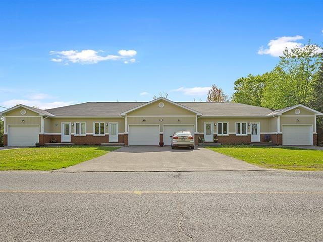 Quadruplex à vendre à Shawville, Outaouais, 258, Rue  Argue, 19021573 - Centris.ca