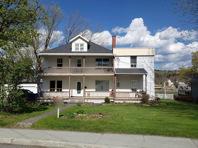 Maison à vendre à Beauceville, Chaudière-Appalaches, 261 - 261A, Avenue  Lambert, 17633339 - Centris.ca