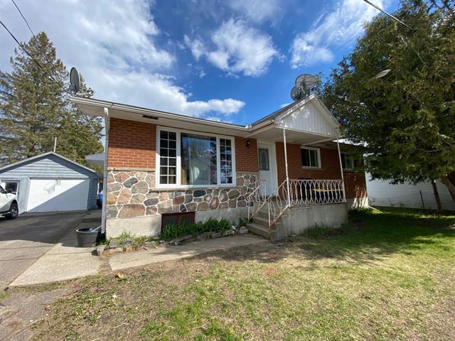 Duplex à vendre à Fort-Coulonge, Outaouais, 7, Rue  Miron, 9973503 - Centris.ca