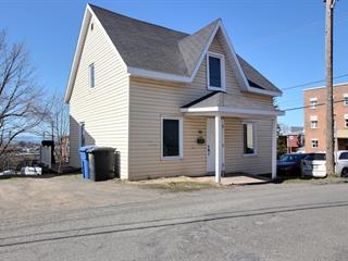 House for sale in Rivière-du-Loup, Bas-Saint-Laurent, 10, Rue  Laval, 28301345 - Centris.ca