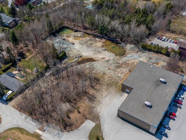 Terrain à vendre à Sherbrooke (Fleurimont), Estrie, Rue  Thérèse-Lefèvre, 23918722 - Centris.ca