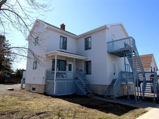Duplex for sale in Rivière-du-Loup, Bas-Saint-Laurent, 26 - 28, Rue  Albert, 14010750 - Centris.ca