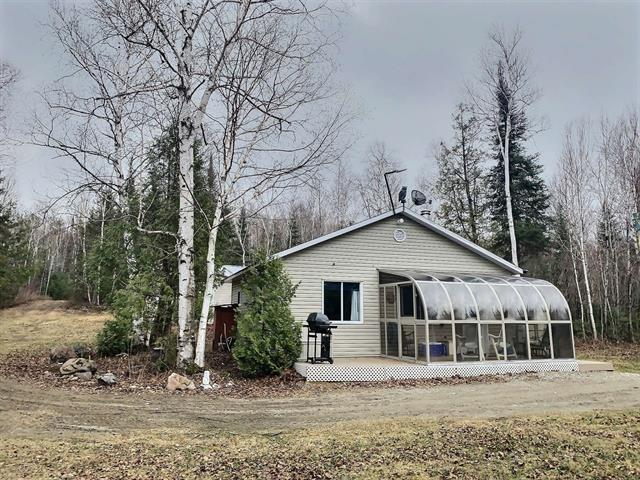 Cottage for sale in Moffet, Abitibi-Témiscamingue, 1340, Chemin de Grassy-Narrow, 12498695 - Centris.ca