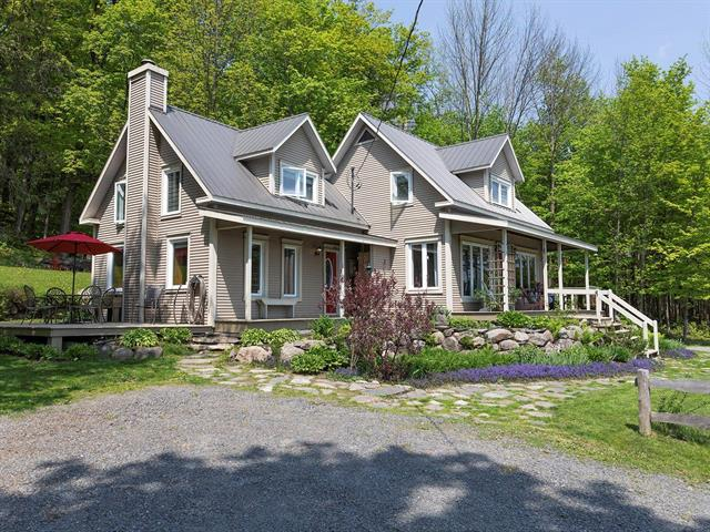 House for sale in Bromont, Montérégie, 624, Chemin  Huntington, 25573363 - Centris.ca