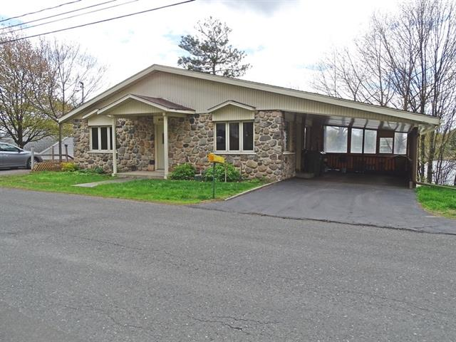 House for sale in Drummondville, Centre-du-Québec, 985, Rue  Hydro-Québec, 16972467 - Centris.ca