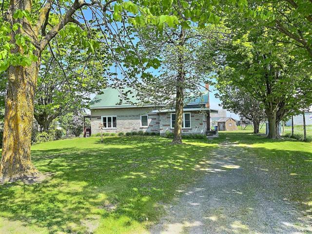 Maison à vendre à Sainte-Cécile-de-Milton, Montérégie, 201 - 203, 1er Rang Est, 23108520 - Centris.ca