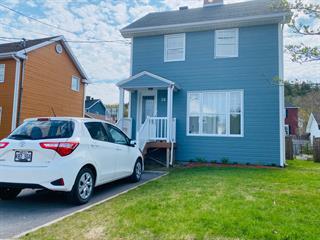 Maison à vendre à Baie-Comeau, Côte-Nord, 26, Avenue  Frontenac, 13462659 - Centris.ca