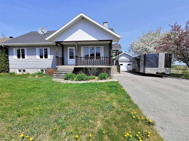 Maison à vendre à Normandin, Saguenay/Lac-Saint-Jean, 798, Carré  Weiss, 26648791 - Centris.ca