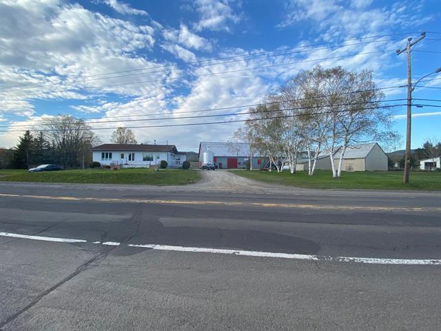 Ferme à vendre à Nouvelle, Gaspésie/Îles-de-la-Madeleine, 674, Route  132 Est, 23885759 - Centris.ca