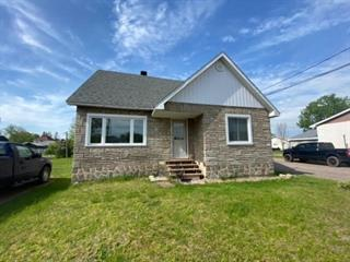 House for sale in Fort-Coulonge, Outaouais, 165, Rue  Principale, 21940487 - Centris.ca