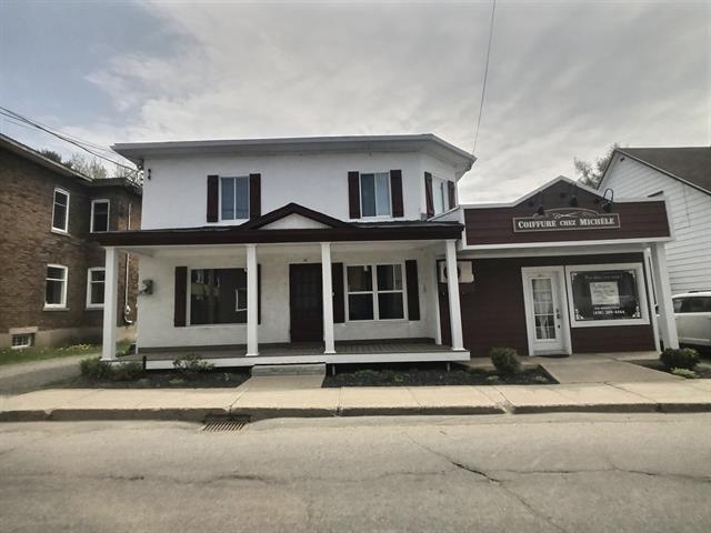 Triplex à vendre à Sainte-Thècle, Mauricie, 260 - 264, Rue  Saint-Jacques, 26381754 - Centris.ca