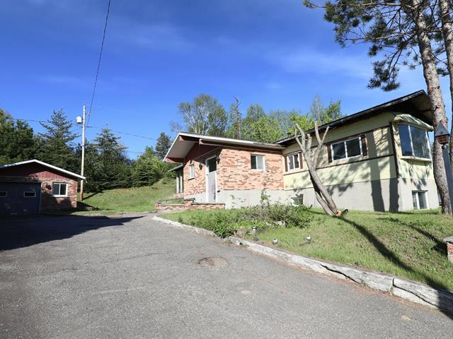 Mobile home for sale in Saguenay (Shipshaw), Saguenay/Lac-Saint-Jean, 3419, Rue  Savard, 13564842 - Centris.ca