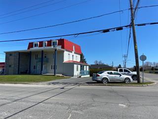Immeuble à revenus à vendre à Mont-Joli, Bas-Saint-Laurent, 1211, boulevard  Jacques-Cartier, 17234423 - Centris.ca