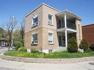Duplex à vendre à Trois-Rivières, Mauricie, 2400 - 2402, boulevard  Laviolette, 12488595 - Centris.ca