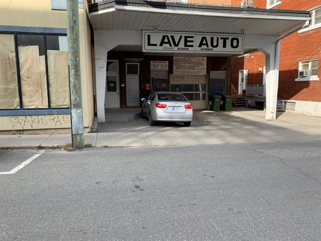 Quintuplex à vendre à Saint-Hyacinthe, Montérégie, 370 - 378, Avenue  Sainte-Anne, 19771946 - Centris.ca