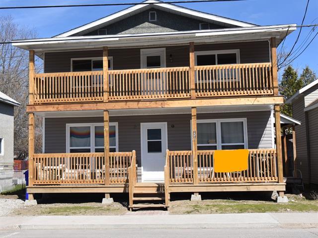 Triplex for sale in Maniwaki, Outaouais, 131, Rue  Notre-Dame, 21681215 - Centris.ca