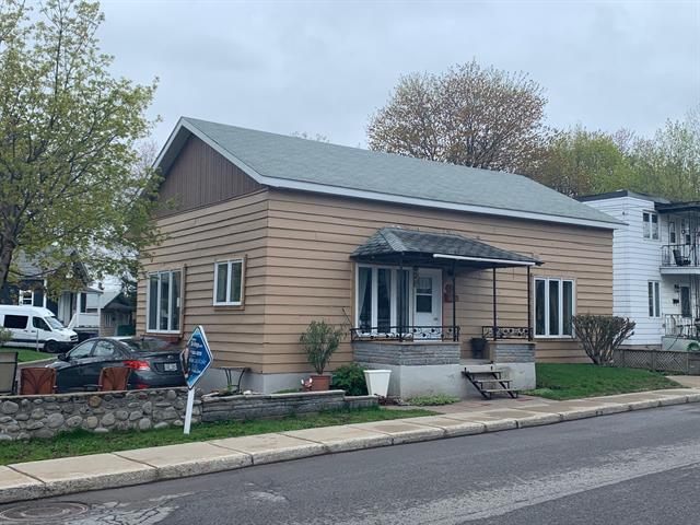 Maison à vendre à Sainte-Thérèse, Laurentides, 5, Rue  Brazeau, 28996872 - Centris.ca