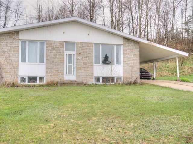 Maison à vendre à Baie-Comeau, Côte-Nord, 2680, Rue  Napoléon, 28533441 - Centris.ca