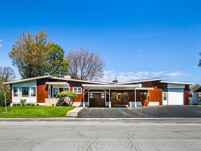 Maison à vendre à Saint-Hyacinthe, Montérégie, 2560 - 2570, Rue  Jolibois, 14342782 - Centris.ca