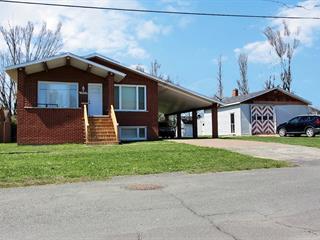 Maison à vendre à Drummondville, Centre-du-Québec, 1035, Rue  Létourneau, 20783604 - Centris.ca