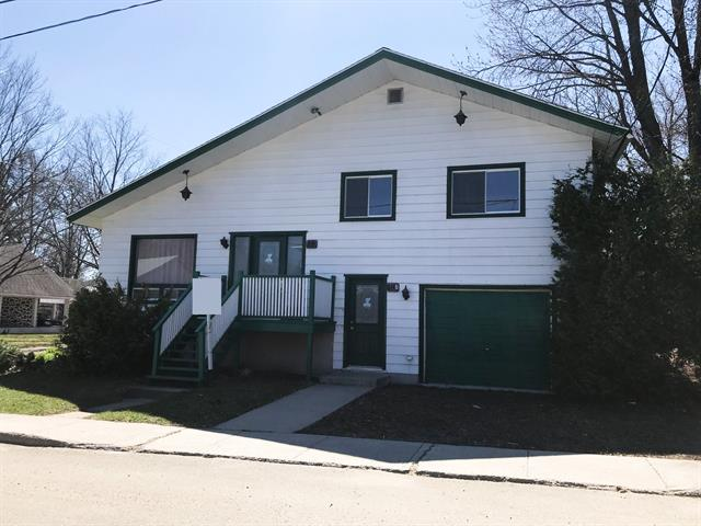 Duplex for sale in Saint-Gabriel, Lanaudière, 18 - 18A, Rue  Michaud, 27395043 - Centris.ca