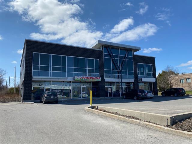 Local commercial à louer à Laval (Laval-Ouest), Laval, 6900, boulevard  Arthur-Sauvé, local 201, 14270003 - Centris.ca