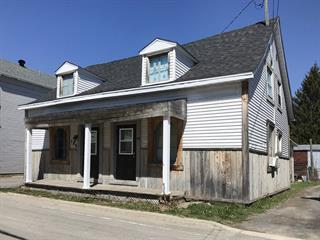 Triplex à vendre à Berthierville, Lanaudière, 180 - 186, Rue  D'Iberville, 19208465 - Centris.ca