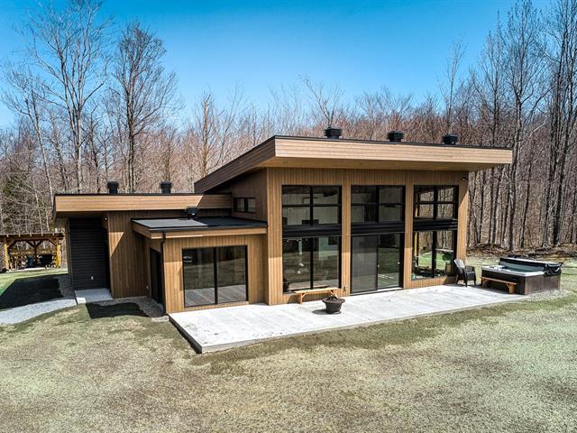Cottage for sale in Bolton-Est, Estrie, 15, Rue des Collines, 26225457 - Centris.ca