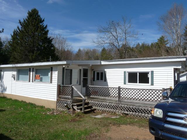 Mobile home for sale in Bowman, Outaouais, 331, Chemin du Chevreuil-Blanc, 23614188 - Centris.ca
