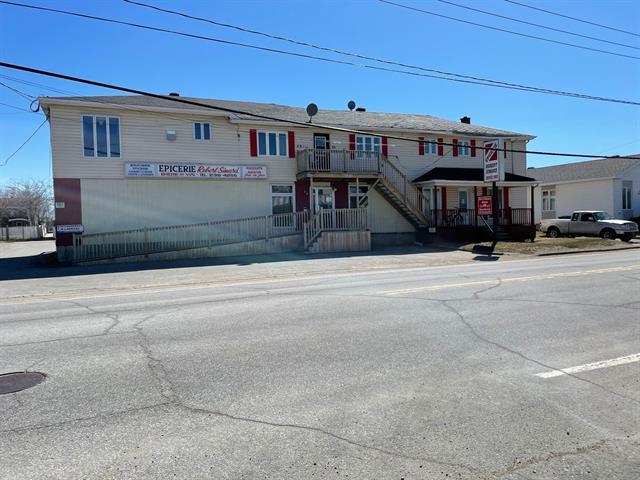Quadruplex à vendre à Sacré-Coeur, Côte-Nord, 62 - 68, Rue  Gagné, 18517311 - Centris.ca
