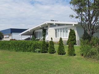 Maison à vendre à Sainte-Anne-des-Monts, Gaspésie/Îles-de-la-Madeleine, 109, boulevard  Sainte-Anne Ouest, 27707324 - Centris.ca