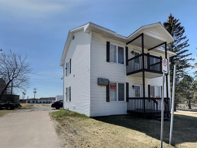 Duplex for sale in Dolbeau-Mistassini, Saguenay/Lac-Saint-Jean, 12 - 12A, boulevard  Saint-Michel, 10209479 - Centris.ca