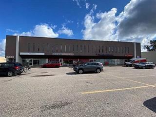 Commercial building for rent in Saguenay (Chicoutimi), Saguenay/Lac-Saint-Jean, 739, boulevard  Barrette, 11843588 - Centris.ca
