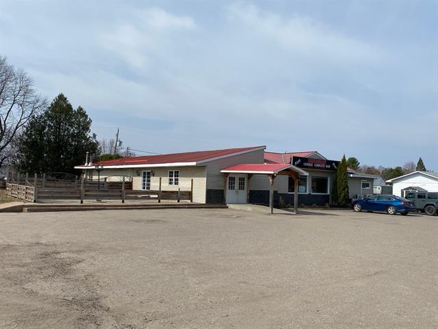 Commercial building for sale in Mansfield-et-Pontefract, Outaouais, 261, Rue  Principale, 14605078 - Centris.ca