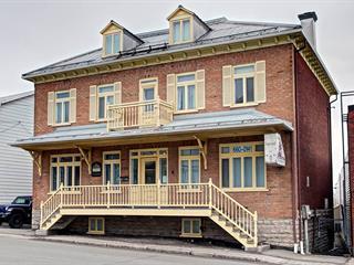 Triplex à vendre à Québec (Beauport), Capitale-Nationale, 696 - 698, Avenue  Royale, 12118360 - Centris.ca