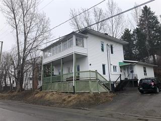 Duplex à vendre à Témiscouata-sur-le-Lac, Bas-Saint-Laurent, 2440 - 2440A, Rue  Commerciale Sud, 21950129 - Centris.ca