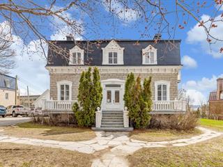 Triplex à vendre à Québec (Beauport), Capitale-Nationale, 520, Avenue  Royale, 24419800 - Centris.ca