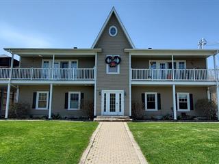 Quadruplex à vendre à Saint-Joachim-de-Shefford, Montérégie, 687, Rue  Principale, 28299404 - Centris.ca