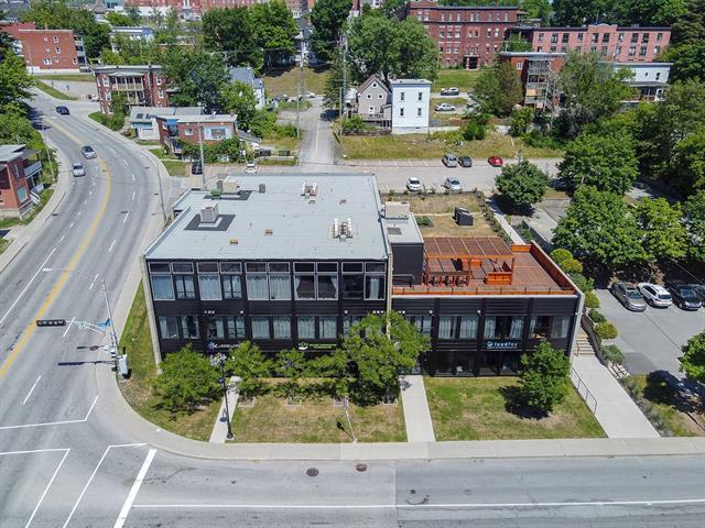 Commercial unit for rent in Sherbrooke (Les Nations), Estrie, 10, Rue  Bowen Sud, suite 100, 21199085 - Centris.ca