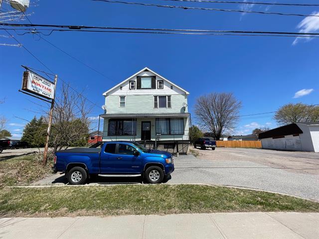 Quintuplex for sale in Shawville, Outaouais, 275, Route  148, 16823239 - Centris.ca