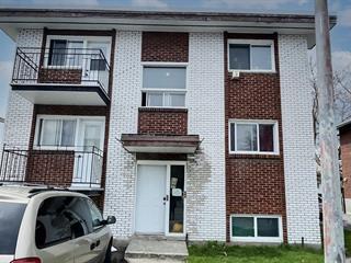 Triplex à vendre à Longueuil (Saint-Hubert), Montérégie, 818 - 822, Rue  Rocheleau, 10689478 - Centris.ca