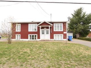 Quadruplex à vendre à Saint-Tite, Mauricie, 690, Rue  Marchand, 16536451 - Centris.ca