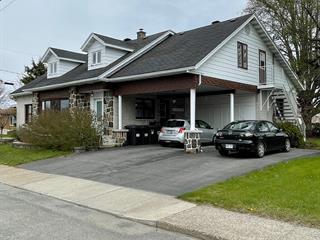 Maison à vendre à Drummondville, Centre-du-Québec, 600, Rue  Chassé, 15935448 - Centris.ca