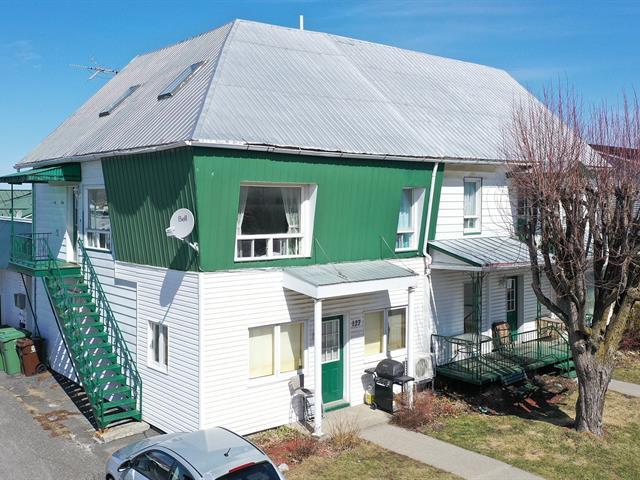 Income properties for sale in Saint-Guillaume, Centre-du-Québec, 127 - 131, Rue  Principale, 16803516 - Centris.ca