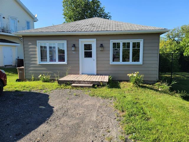 House for rent in Beauharnois, Montérégie, 239, boulevard de Melocheville, 9225330 - Centris.ca