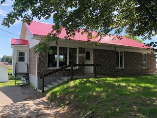 Maison à vendre à Château-Richer, Capitale-Nationale, 7546, Avenue  Royale, 10747614 - Centris.ca