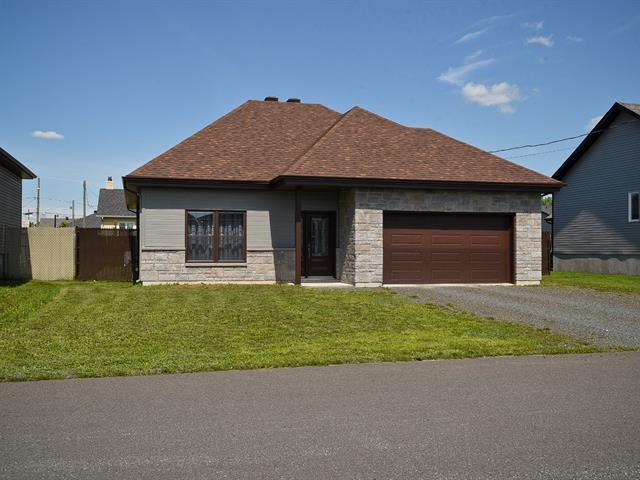 House for sale in Notre-Dame-du-Bon-Conseil - Village, Centre-du-Québec, 231, Rue  Jérôme, 27463152 - Centris.ca