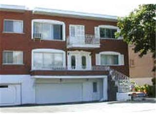 Condo / Apartment for rent in Hampstead, Montréal (Island), 19, Rue  Cleve, 16790586 - Centris.ca