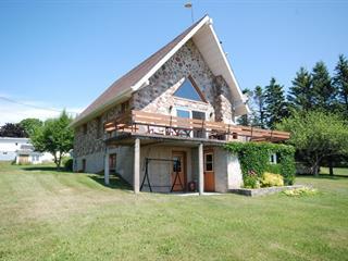 Maison à vendre à New Carlisle, Gaspésie/Îles-de-la-Madeleine, 5, Rue  René-Lévesque, 22108817 - Centris.ca